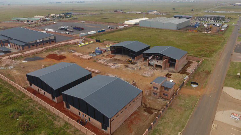The benefits of using IBR roof sheeting in steel structure construction